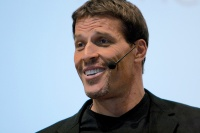 What Tony Robbins taught me about activism | Mickey Z.