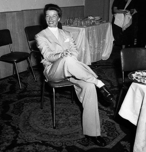 Katharine Hepburn at the Hotel Australia, Sydney, 1955 / Australian Photographic Agency (APA) Collection. Flickr. No known copyright restrictions.